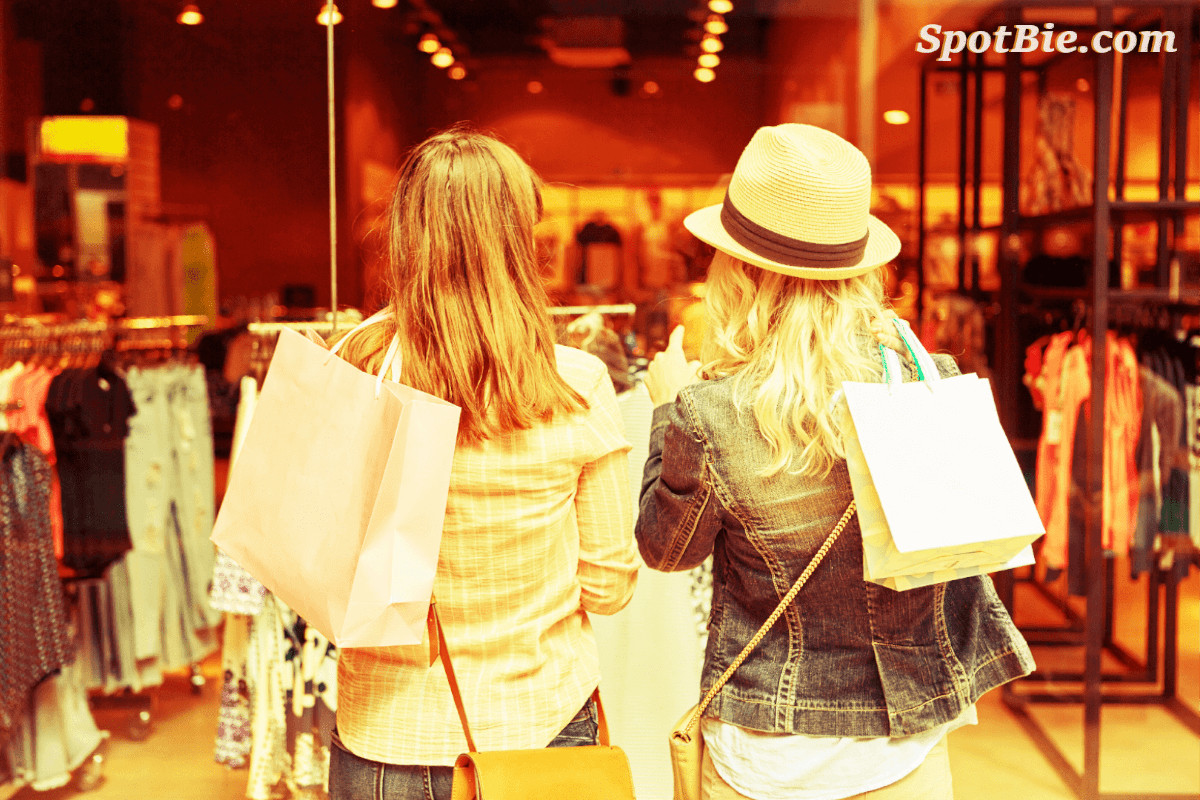 Image of people shopping after using the shopping feature on SpotBie to find more about shopping in Kendall.